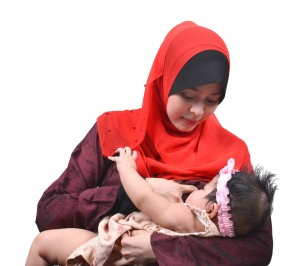 breastfeeding-muslim-woman