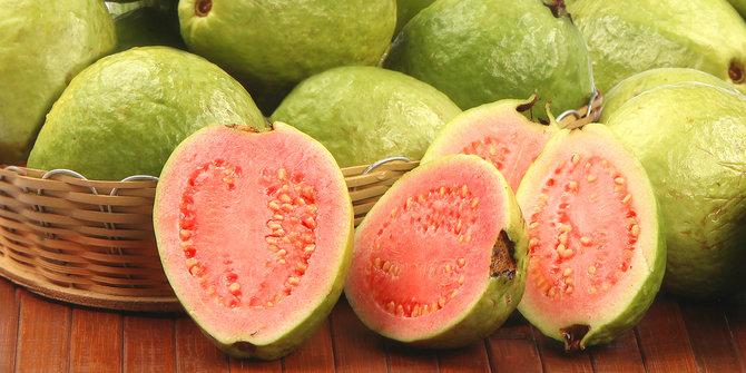 7-manfaat-jambu-merah-untuk-kesehatan-kulit